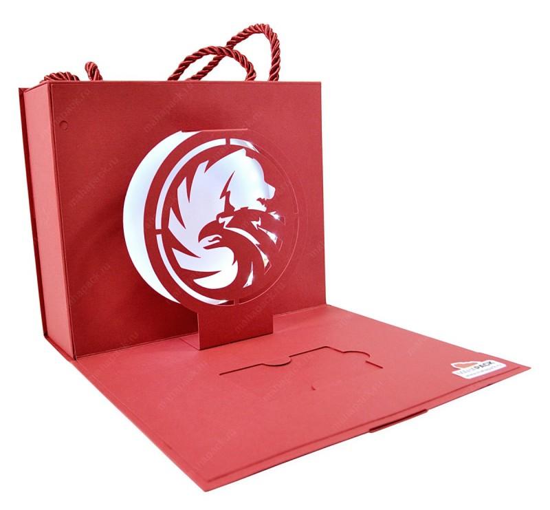 7. Также многие компании часто дарят своим VIP-клиентам пластиковые карты — на скидку, на персональн