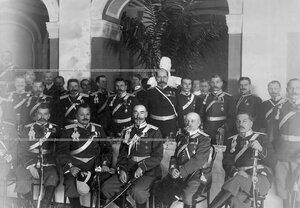 Группа офицеров полка на банкете в офицерском собрании полка.