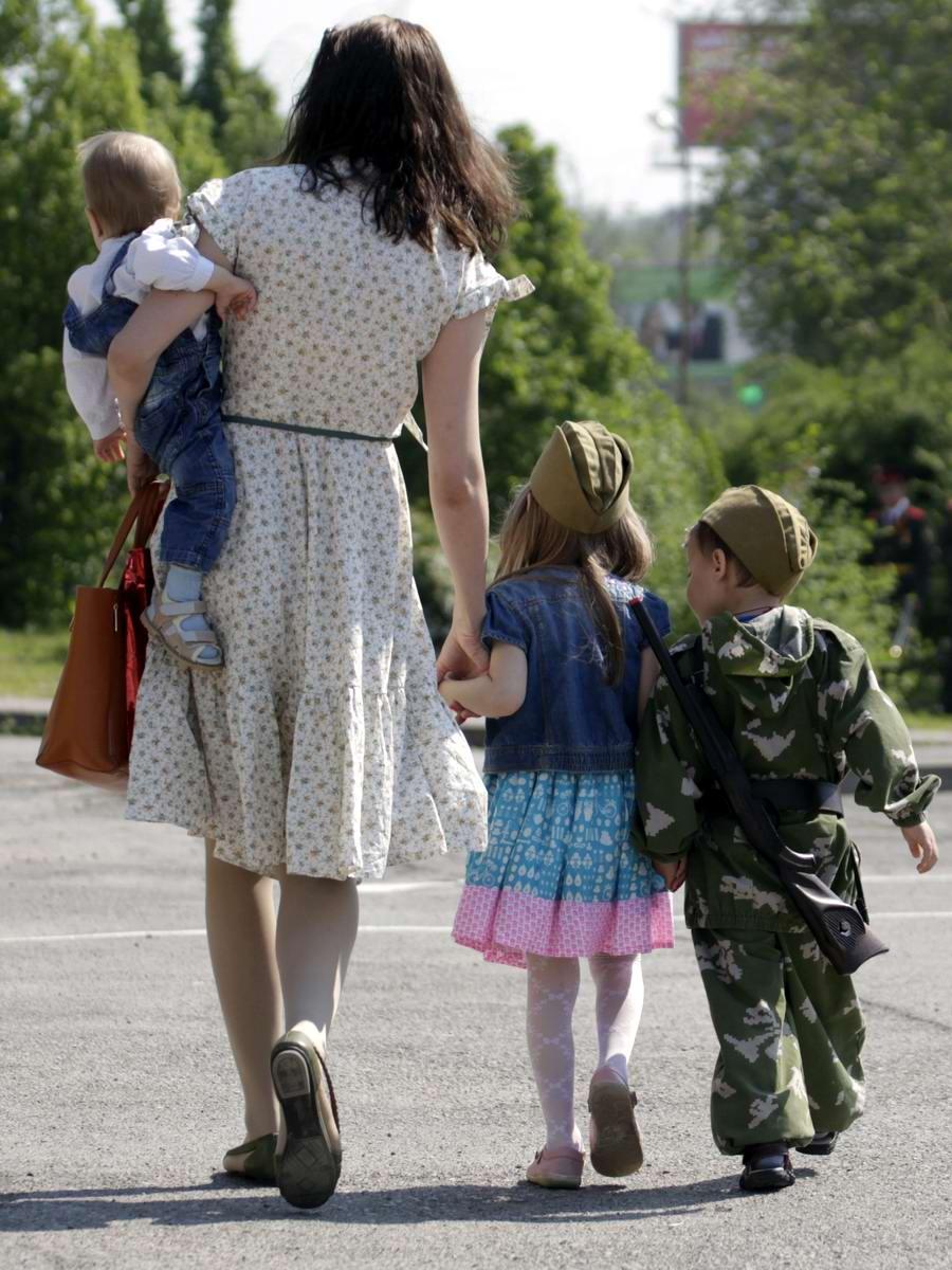 Между правдой и ложью: Про Парад детских войск в Ростове-на-Дону (28)