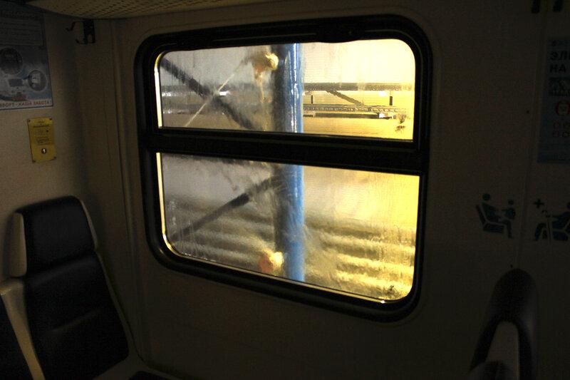 В электропоезде ЭД4М-0380 во время мойки