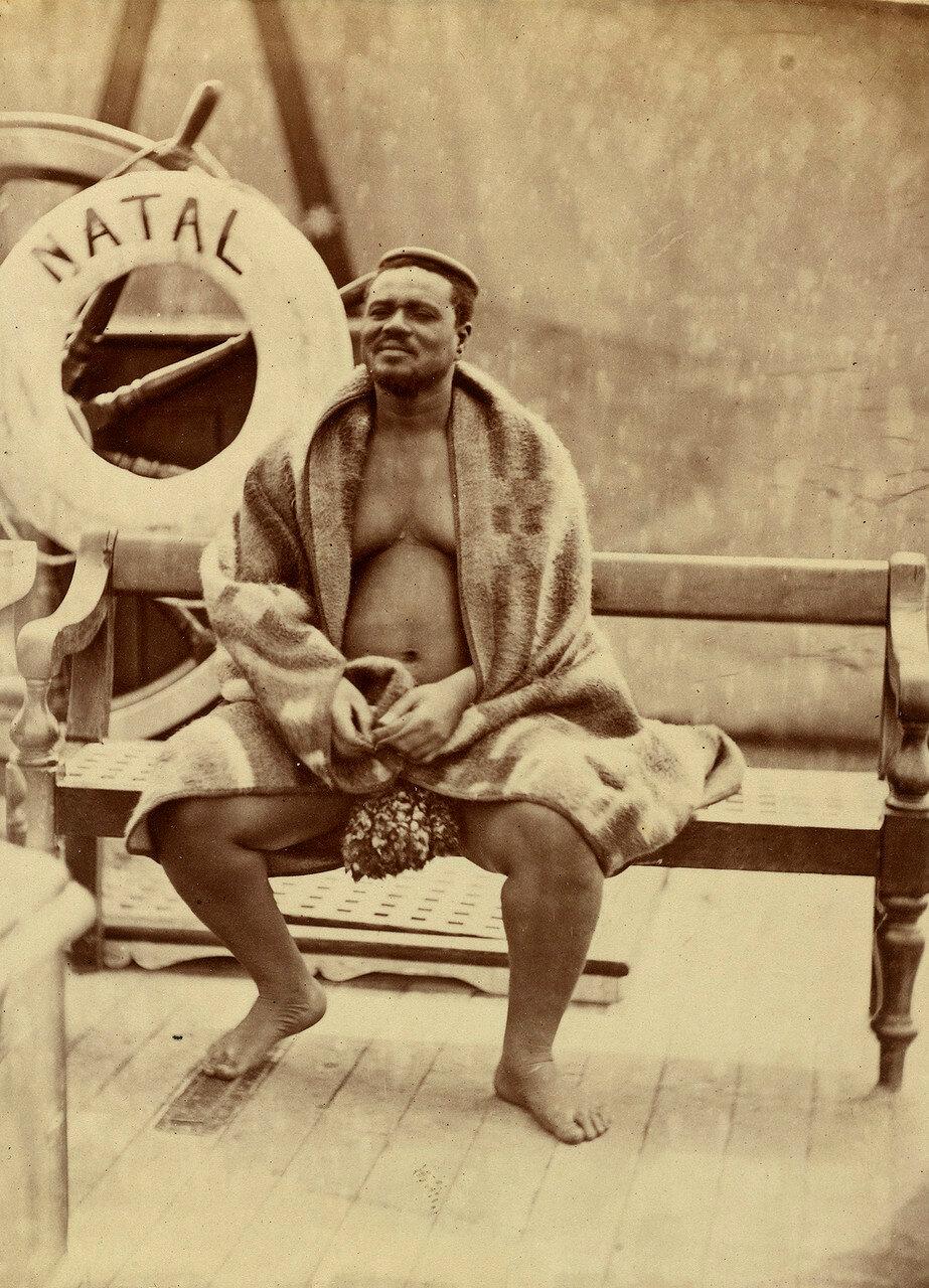 Кечвайо.  13 сентября 1879. Кечвайо родился приблизительно в 1826 году в окрестностях местечка Эшове, которое располагается в современной провинции ЮАР КваЗулу-Натал. Его отец — Мпанде, был братом основателя зулусской державы Чаки и его преемника Дингане