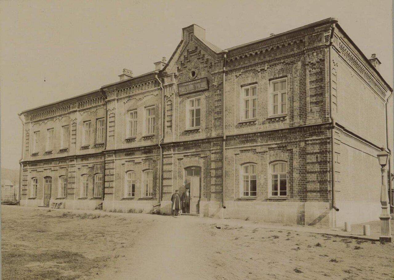 05. Главное здание. Фасад на Николаевскую улицу