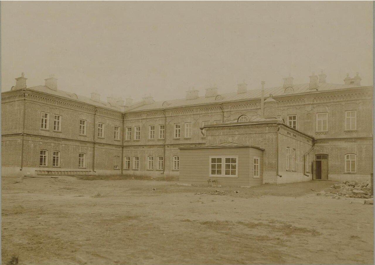 06. Главное здание. Фасад со двора училища