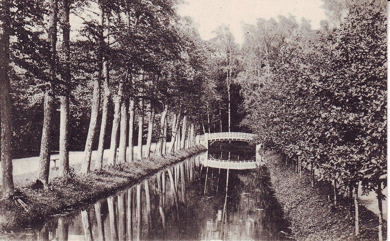 Вид дворцового парка
