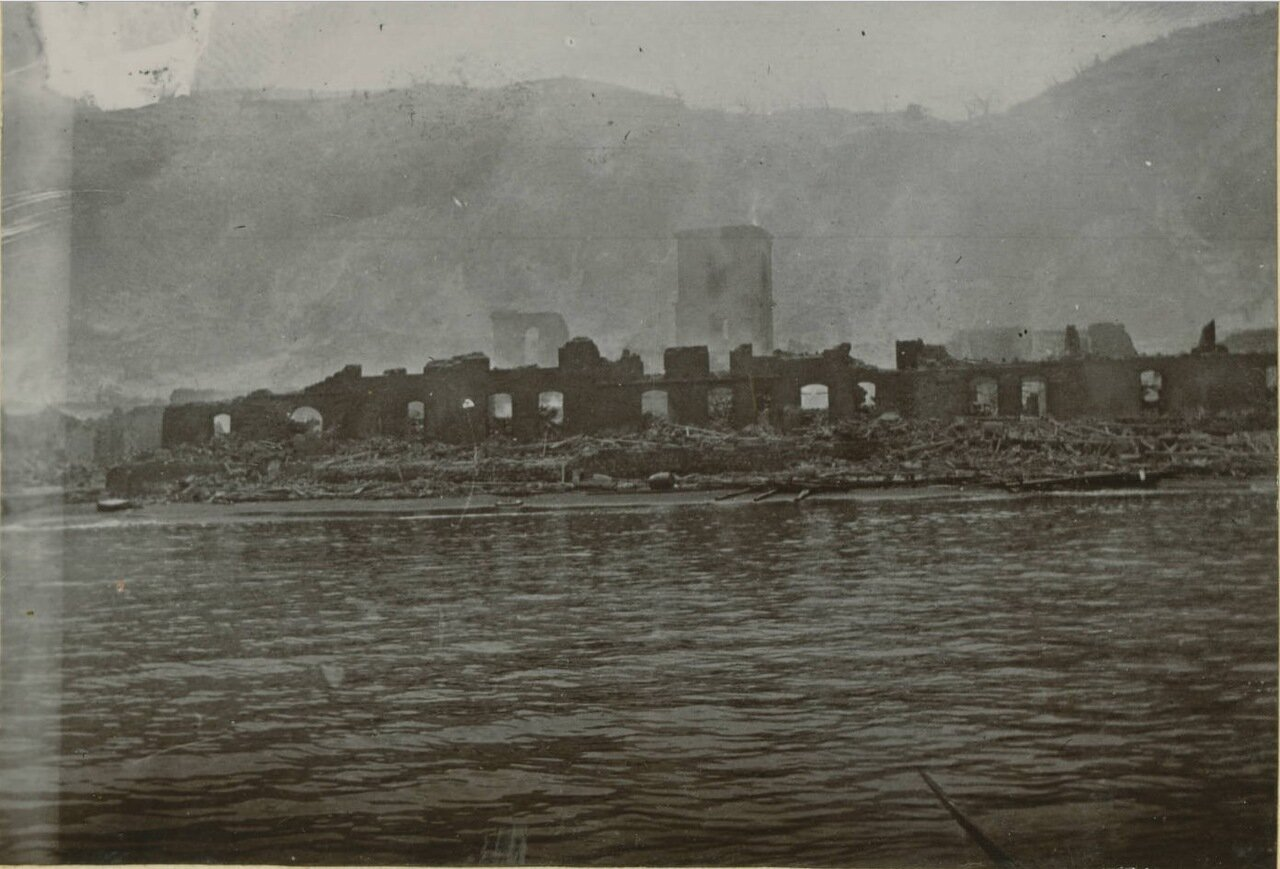 Вид Сен-Пьера после извержения вулкана