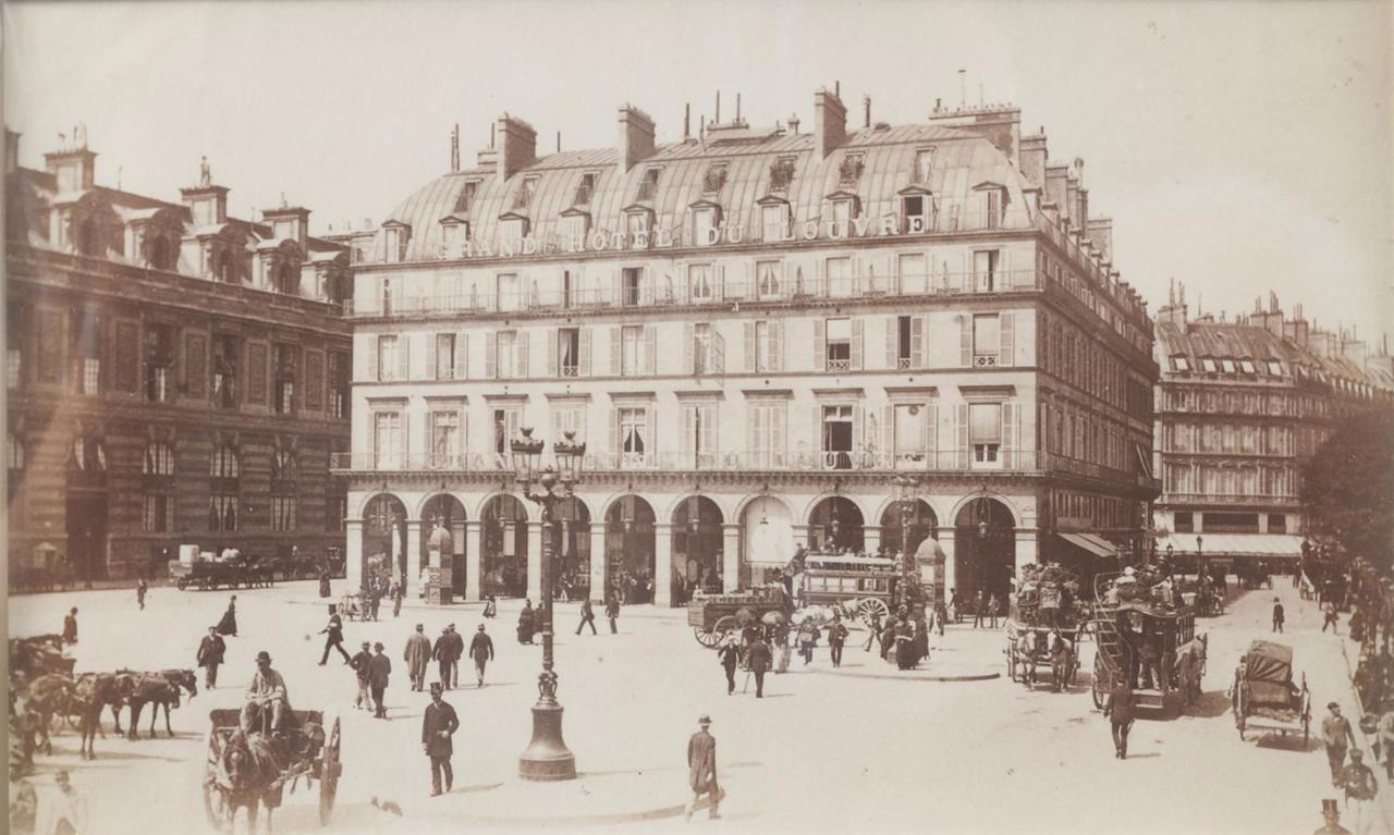 1870. Площадь Лувра