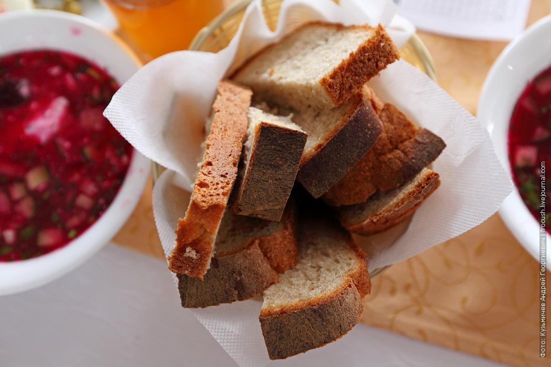 свежий хлеб в ресторане теплохода Русь Великая