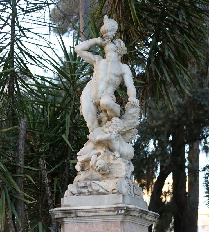 Валенсия. Cад Глориета (Jardines de la Glorieta). Фонтан Тритона (Fuente del Tritуn)