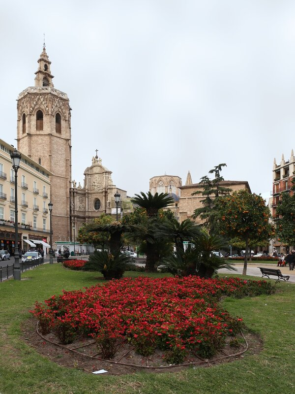 Валенсия, Пласа де ла Рейна (Placa de la Reina).