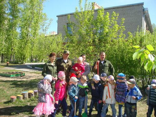 Посадка саженцев в Барабинске