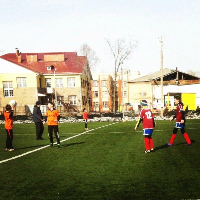 Мартовский футбол