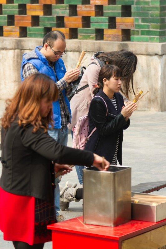 Молитва, монастырь Юнхэгун, Пекин