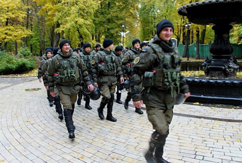 Спецназ в Мариинском парке