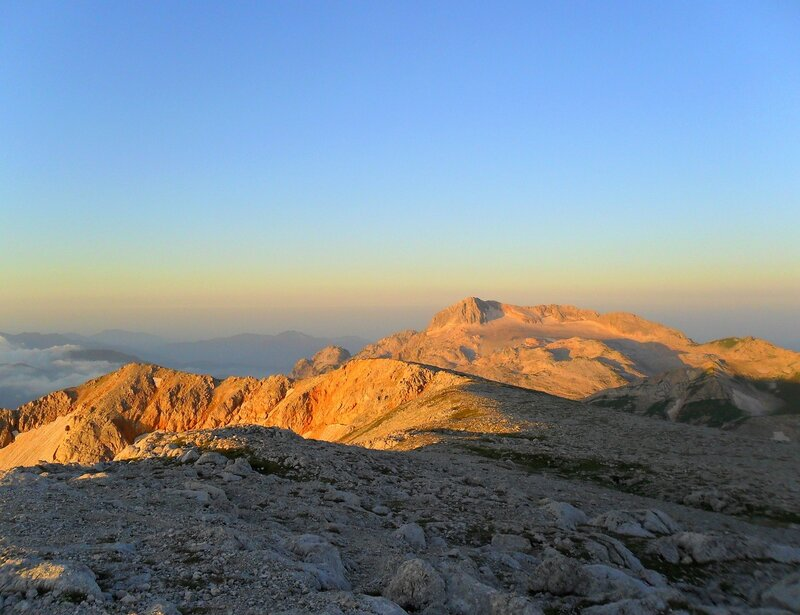 В свете утреннем на вершине, Фото туристическое