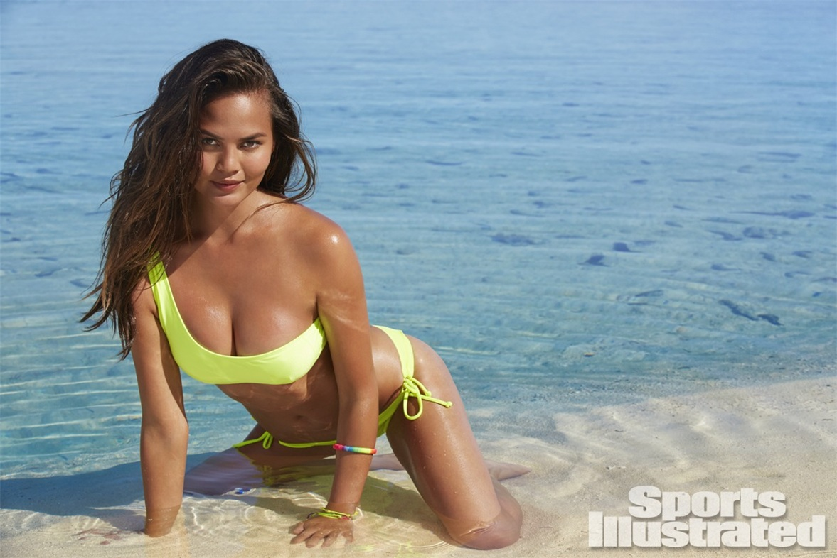 Крисси Тейген в купальниках Sports Illustrated Swimsuit 2014 - Chrissy Teigen by James Macari in the Cook Islands