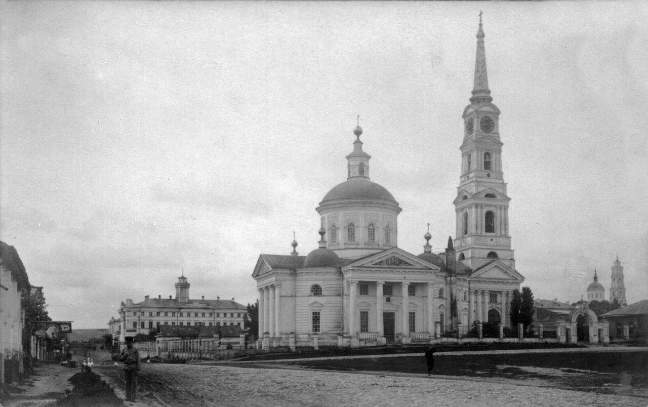 Рыльск, Успенский собор