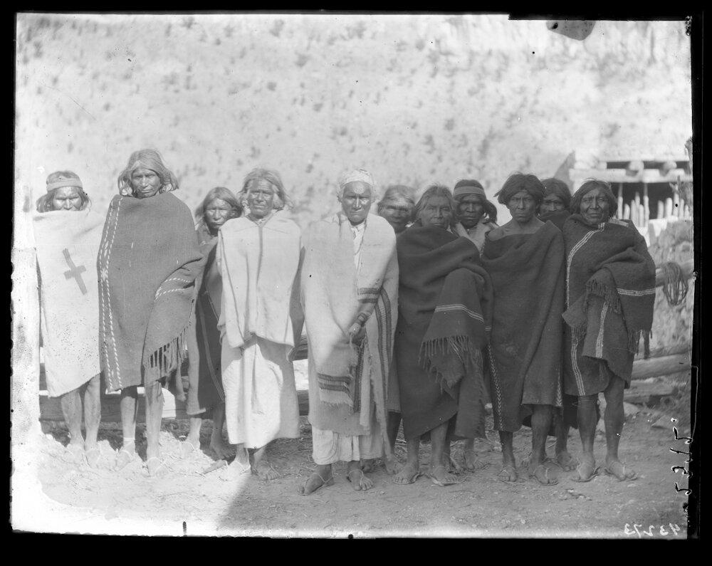 1898. Шаманы племени тараумара