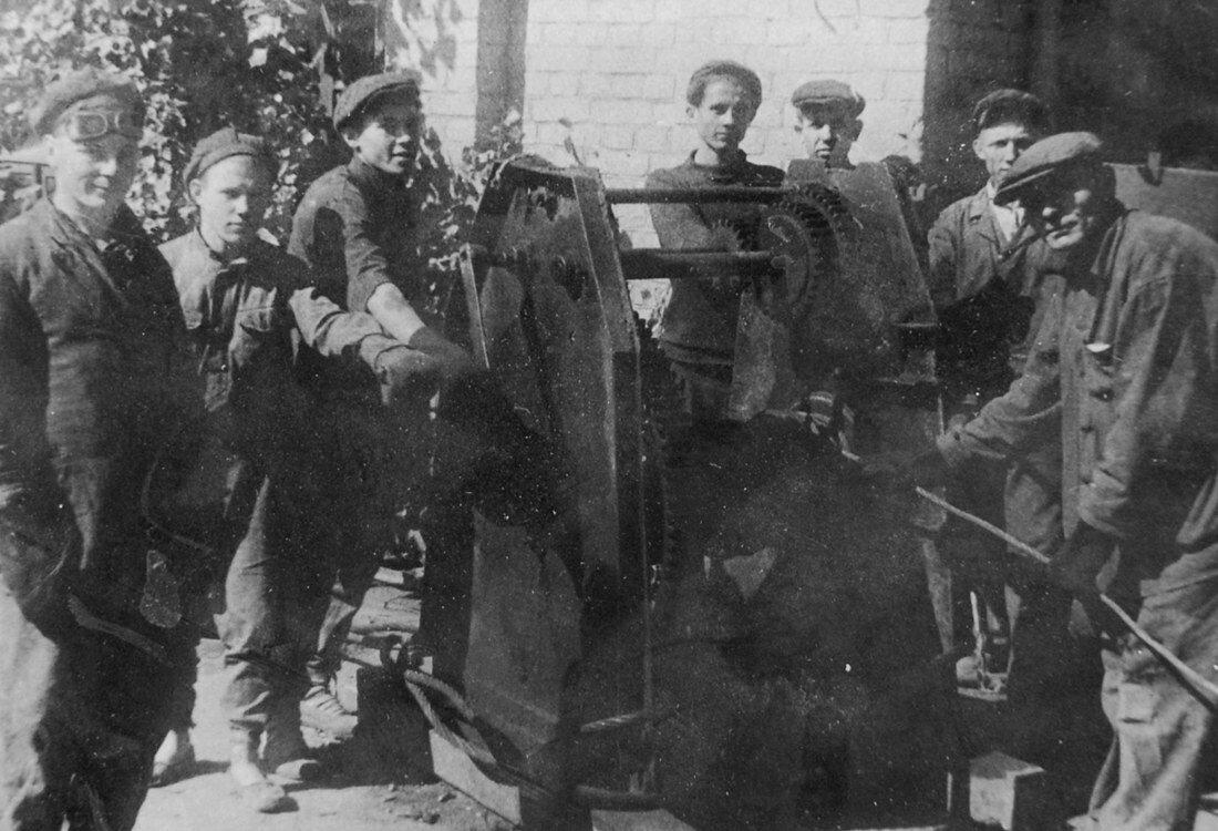 1949. Механизация