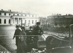 Приезд депутатов Второй Государственной думы на заседание в Таврический дворец.