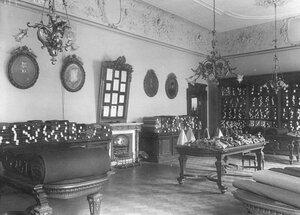 Магазин пошива мужского платья Ганри (Морская ул.,19). Зал приема заказов.
