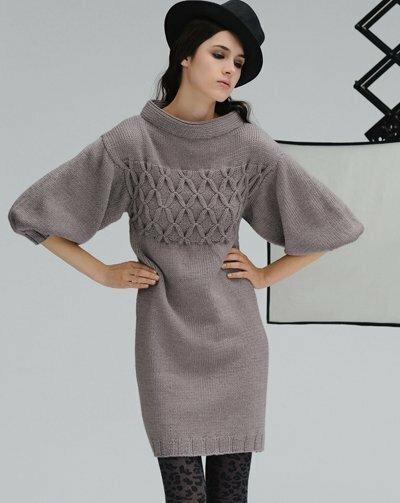 Платье вязаное со спицами