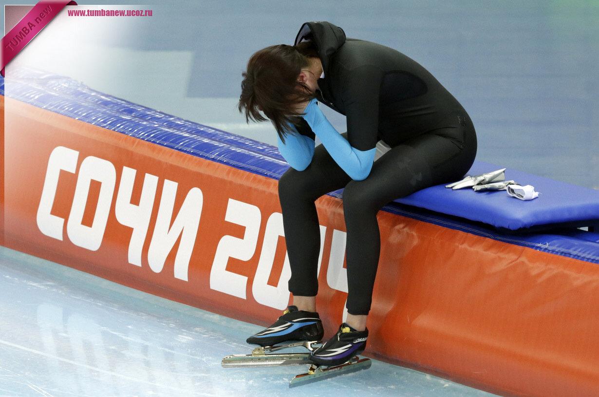Россия. 16 февраля. Хизер Ричардсон из США после окончания соревнования по скоростному бегу на коньках (1 500 м). (AP Photo/Matt Dunham)