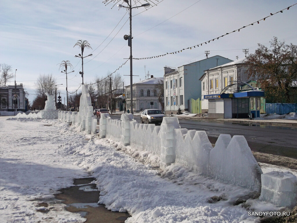 Уборка ледяного городка в Троицке