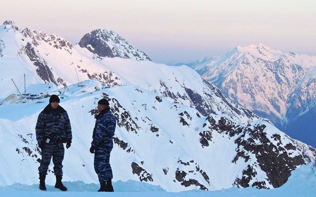 Полицейские посты и патрули, которые обеспечивают охрану горнолыжных трасс (4)