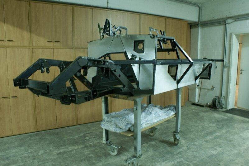 Как сделать машину-легенду своими руками. Mercedes 300SL «Gullwing»