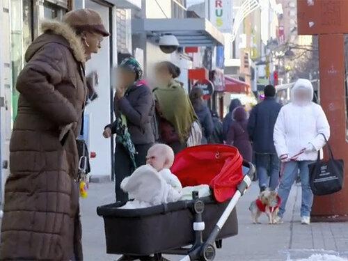 коляска с младенцем нью-йорк
