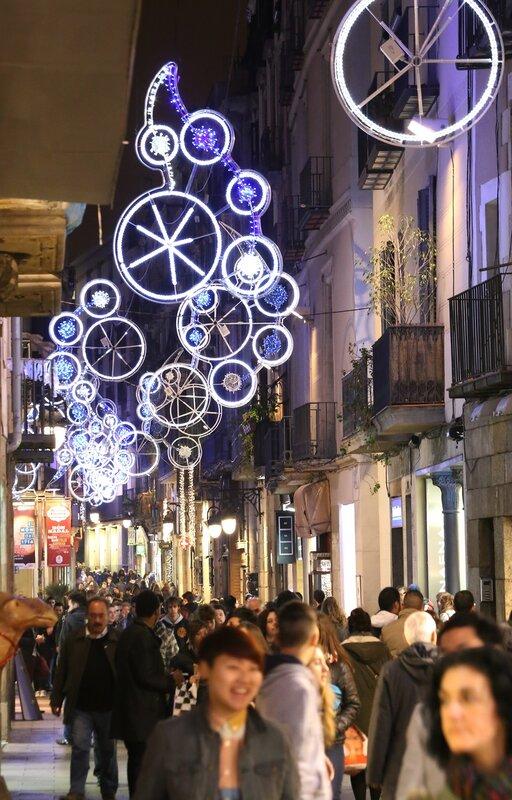 Рождественская Барселона. Улица Портофериса