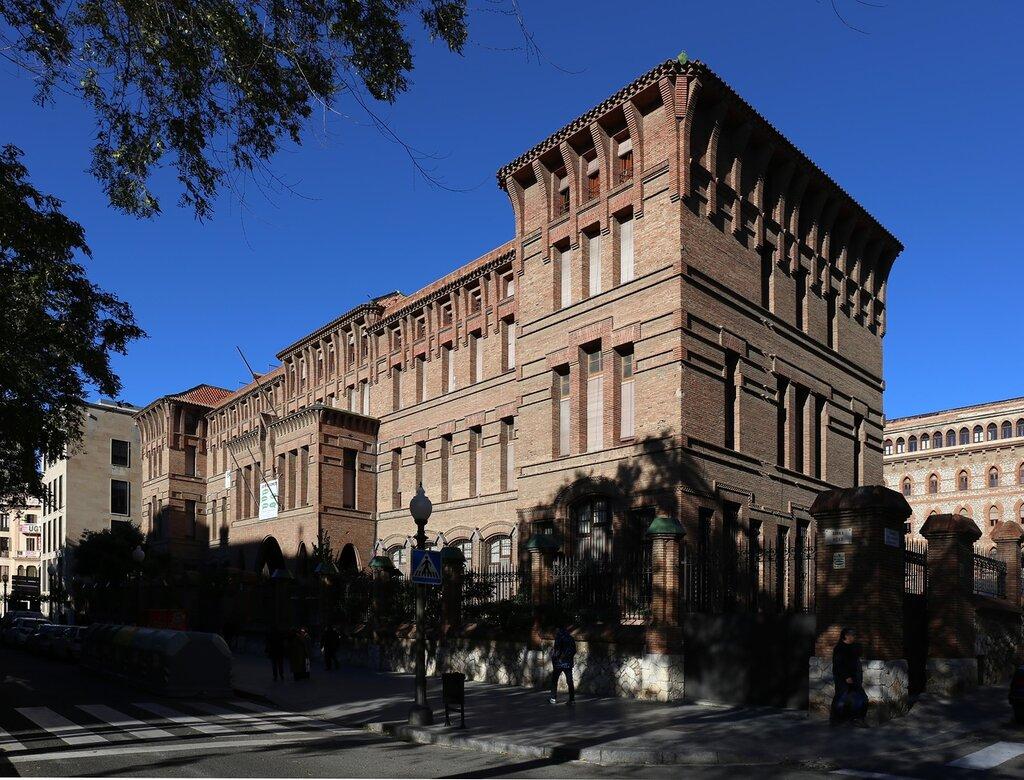 Tarragona. The Rambla Nova. School of teresiano