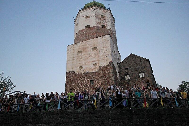 второй ярус и башня Олава в Выборгском замке - фестиваль «Майское дерево 2014»