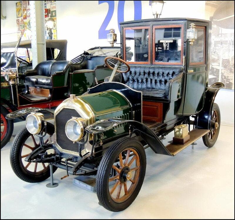 Autoworld 7999 Peugeot VD2 Coupe de Ville 1915