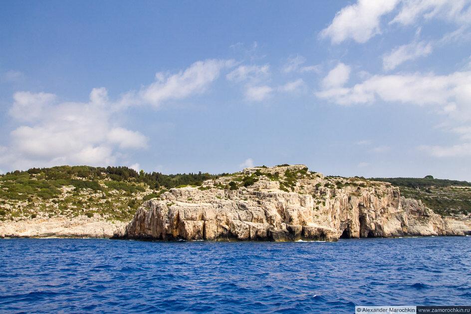 Скалы западного Берега Паксоса
