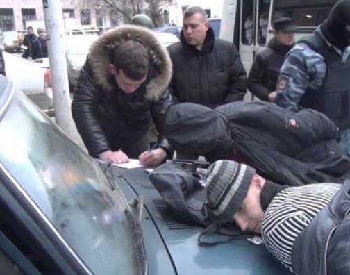 Как правоохранители задерживали продавцов спайсами на Автозаводской