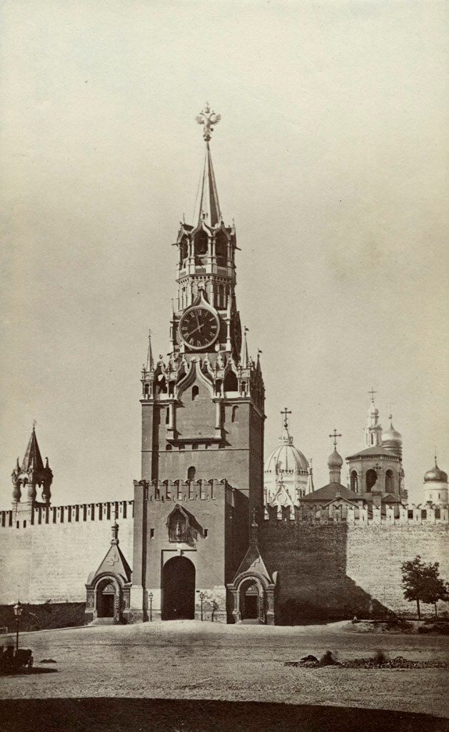 Москва. Спасская башня. 1880