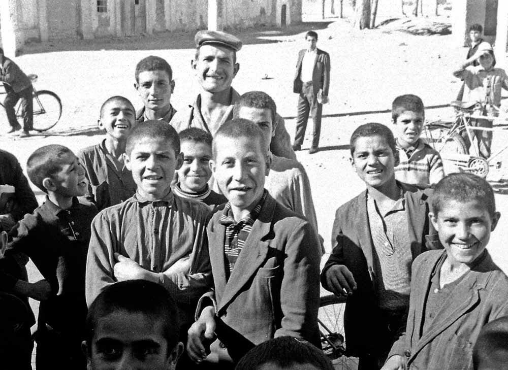 Иран. Подростки из Шарада
