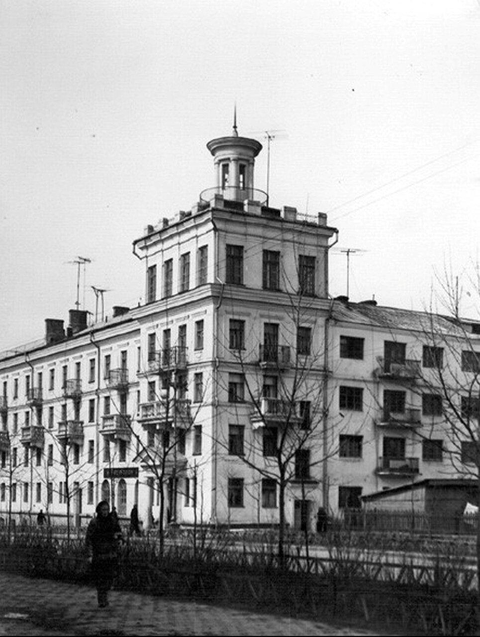 Гостиница и ресторан по улице Октябрьская