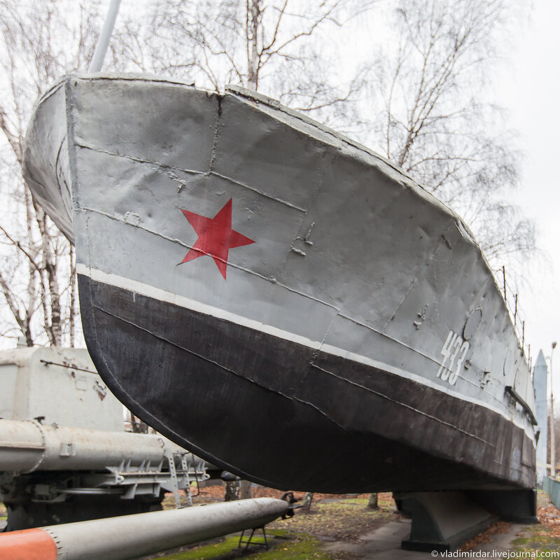 Торпедный катер, потрепанный войной и временем