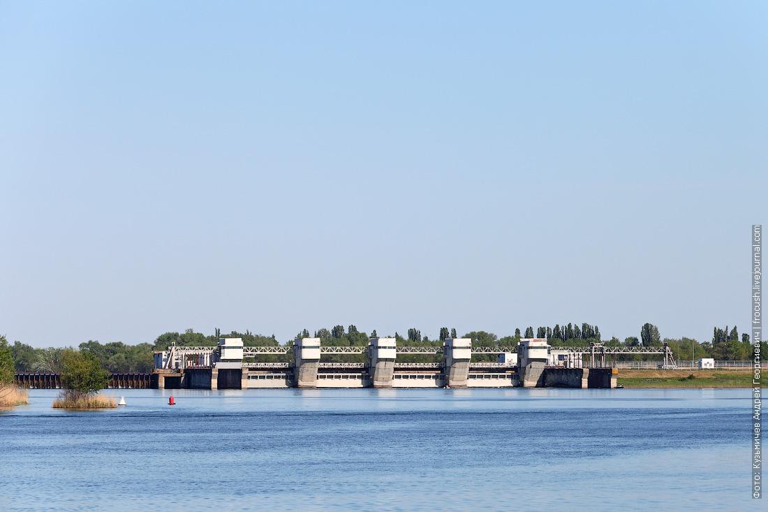 Плотина Николаевского гидроузла