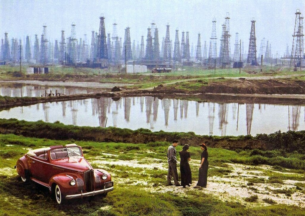 1941 Packard convertible and California oil derricks.jpg