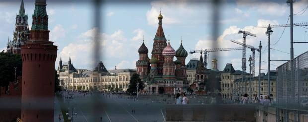 Кремль в потугах удержать Крым с каждым месяцем теряет поле для маневра. Ставка на ядерный блеф и у