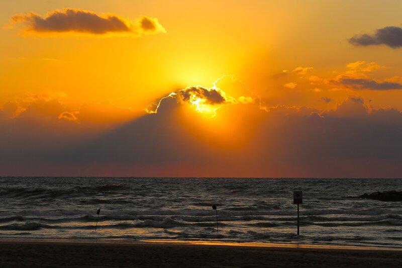 Закат в Тель-Авиве