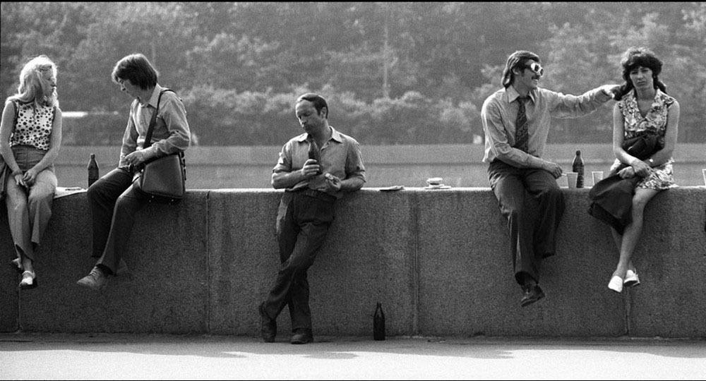 Одинокий, но мудрый. День Победы, 1977 год. Фотограф: Игорь Гаврилов.