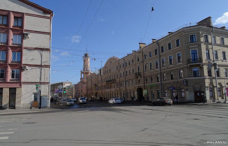 Съезжий дом 3-й Адмиралтейской части на углу Садовой и Большой Подьяческой улиц. В настоящее время здесь располагается 2-я часть 9-го отряда пожарной охраны Адмиралтейского района.