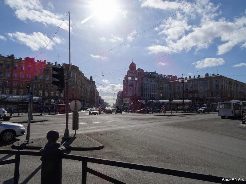 Начало Московского проспекта. Он дли-и-инный... :)