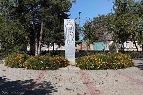памятная стела Емельяну Пугачёву