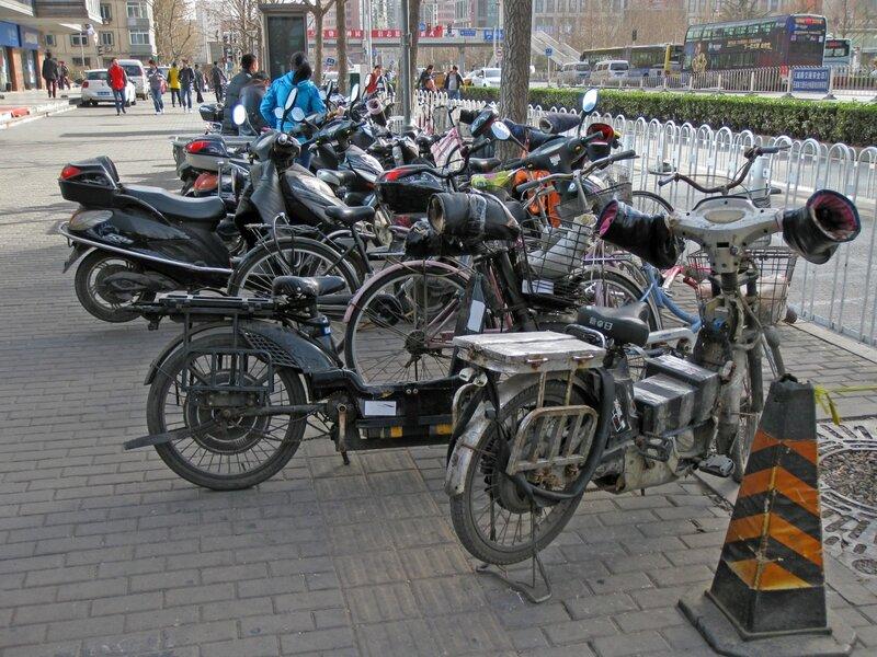 Стоянка велосипедов и мопедов