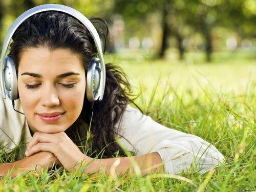 Прослушивание музыки может сделать вас счастливым!